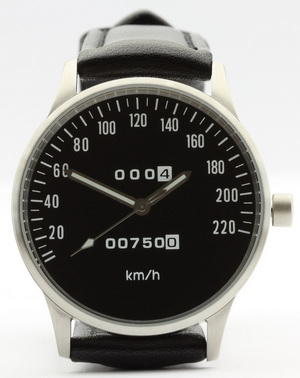 CB 750 speedometer kmh watch with black dial